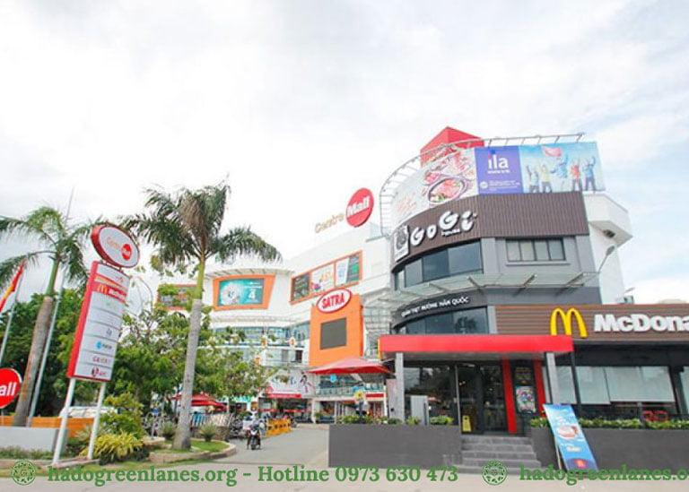 Trung tâm thương mại, dịch vụ, giải trí Central Mall.